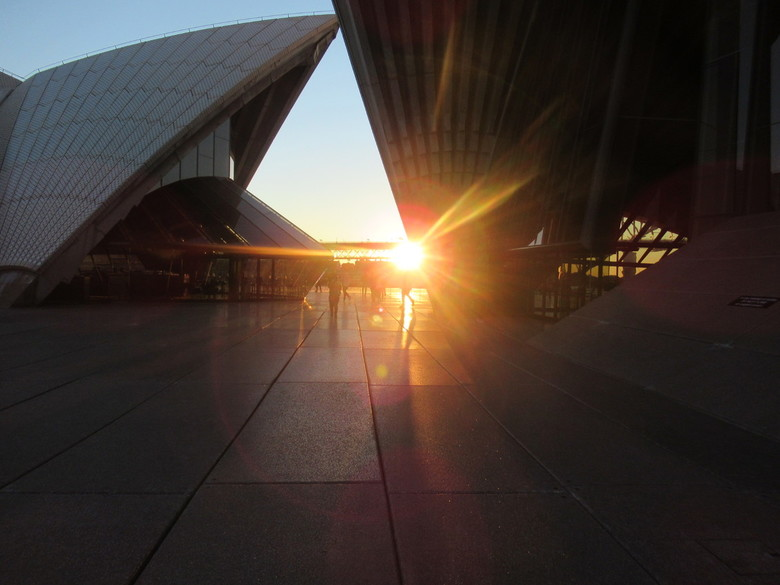 20180813090903_IMG_1529 - zonsondergang in sydney bij the Opera House