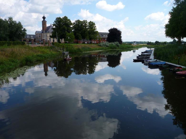 Kasteel Nieuw Herlaar - Kasteel Nieuw Herlaar, nabij Sint Michielsgestel (Noord-Brabant)