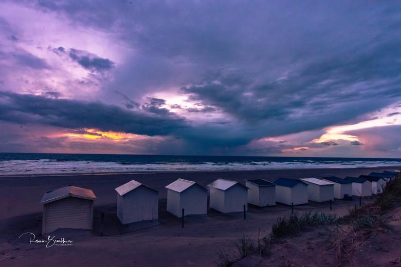 Abandon - Verlaten strandhuisjes nabij Den Hoorn op Texel  (Paal 9)