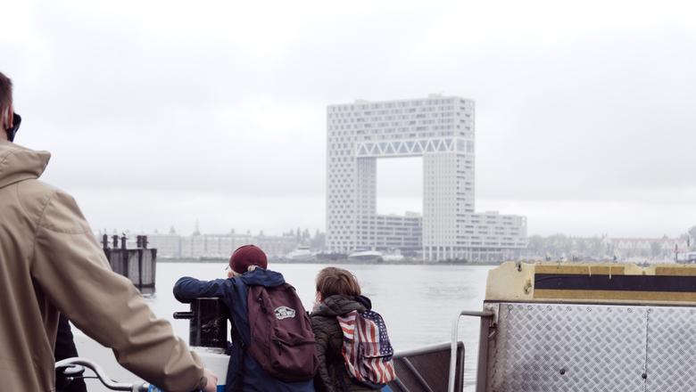 Amsterdam - Kinderen hebben de toekomst.... - 'Zullen ze trots mogen blijven? Zullen ze standvastig blijven?' Gelukkig mogen (en moeten) we