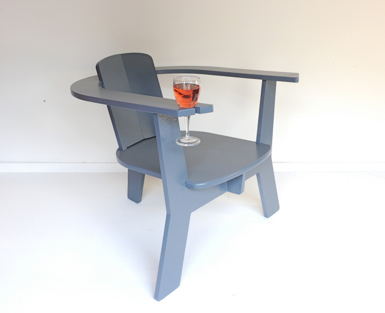 tuinmeubels - tuinmeubels<br /> the Rose Chair<br /> ontwerp; Michel Taanman<br /> verkoopinfo : micheltaanman1@mac.com<br /> 06-53386198<br /> w