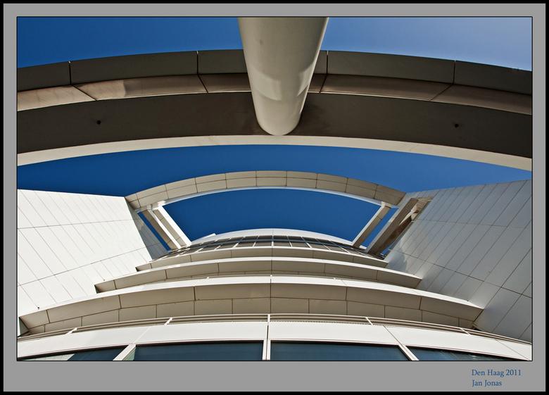 Architectuur_den Haag - Nou, hier kom ik dan met me architectuurfoto, ik vind het best lastig hoor.<br /> Zoals ik al een enkele x in wat reacties aa