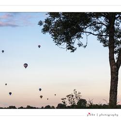 Ballonnen in lucht bij Joure