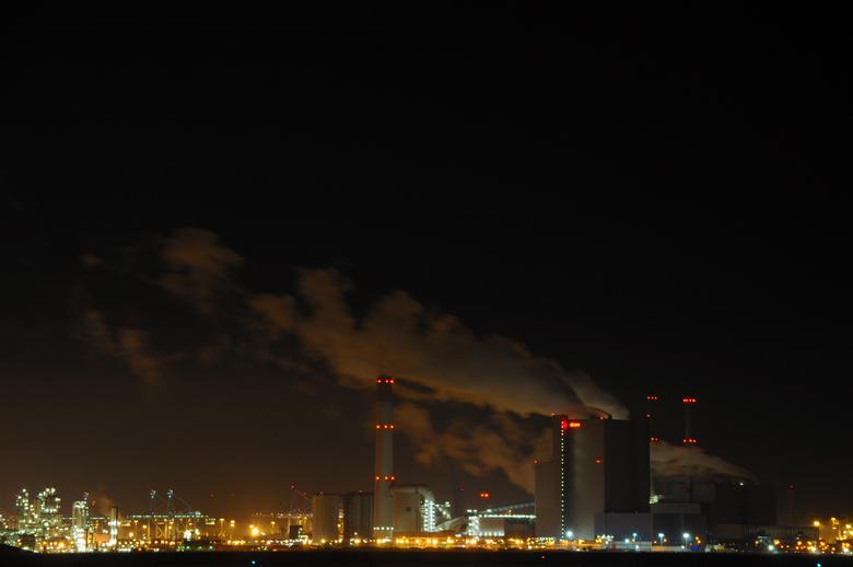 Magic of the Maasvlakte - De Maasvlakte kent vooral veel industrie, maar in het donker zorgen de vele lampjes voor een mooi beeld!