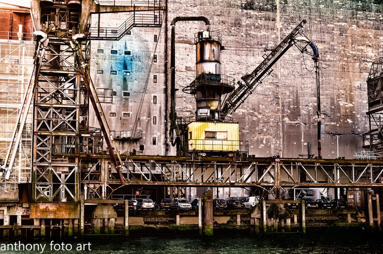 rotterdam  maashaven oude graan silo