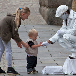 Living Statue out of control
