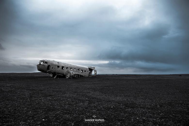 DAKOTA DC-3 ICELAND - Gecrashte Dakota DC-3 op de zwarte standen van IJsland
