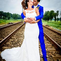Bruidspaar op spoor