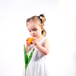 Flowergirl high-key 2