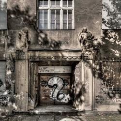 Leegstaand huis, graffiti,  Leipzig, ex DDR, Duitsland