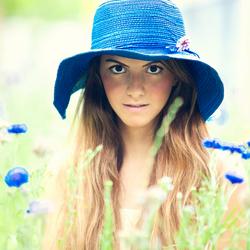 Dina blauwe hoed