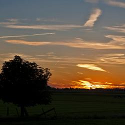 Zonsondergang nabij Warder