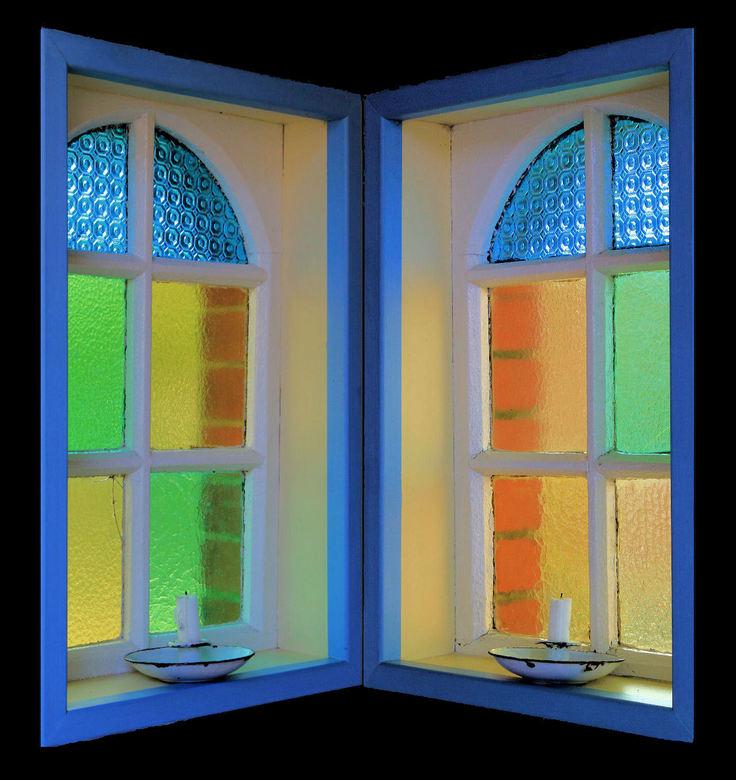 Windows ? - Deze ramen zitten in een bidkapel  in Beutenaken Zuid limburg .. met veel liefde verzorgd door .. een familie aldaar .. het de ramen tegen