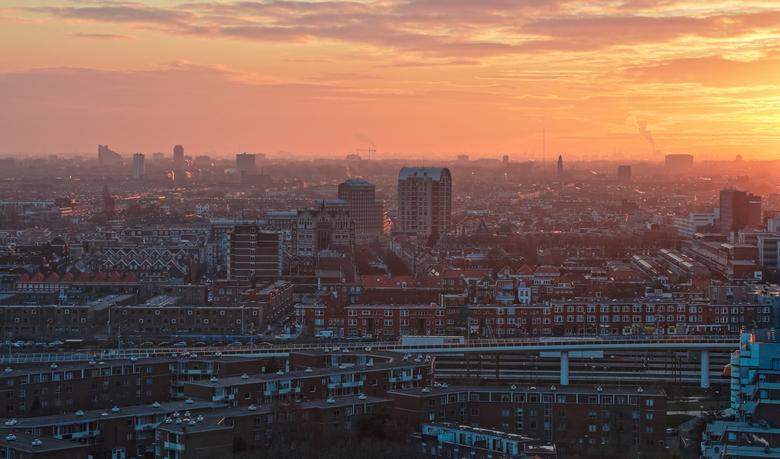 The Sun kisses the City - Den Haag in het ochtendlicht