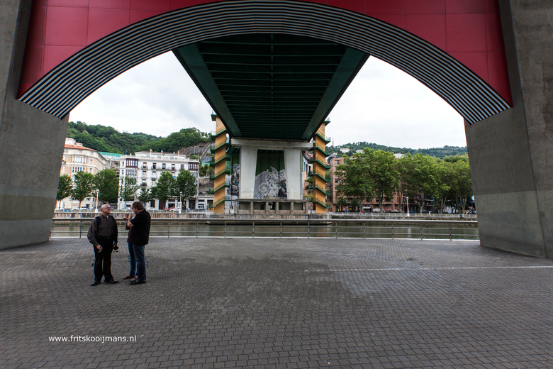 Brug over de Nervion in Bilbao