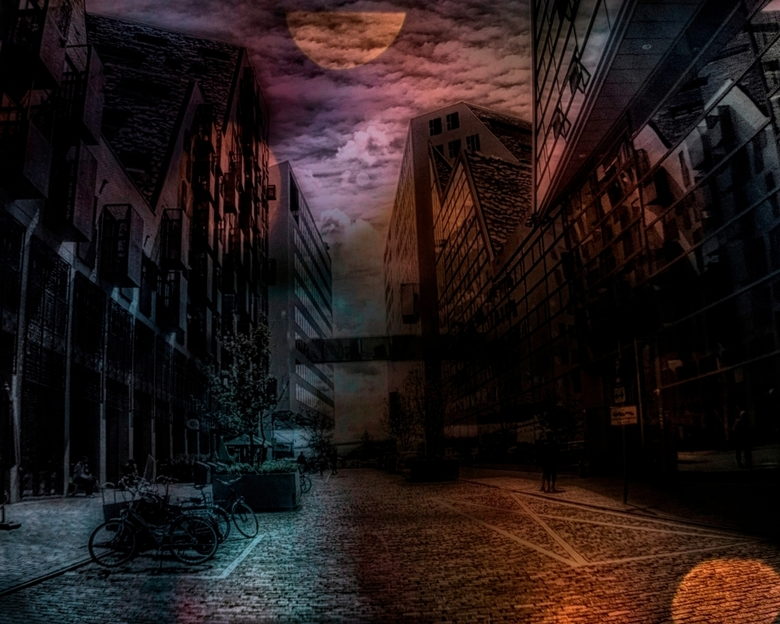 Bad Moon Rising - helaas groot zien<br /> <br /> Ik zag een andere maan<br /> <br /> I see a bad moon a-rising<br /> I see trouble on the way<br