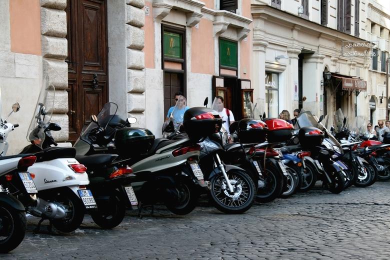 Rome - Even mijn scooter zoeken