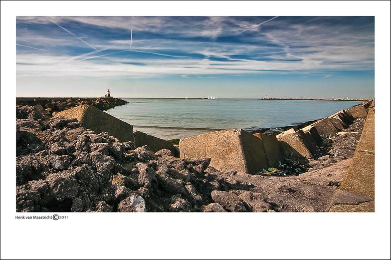 Wijk aan zee-25 - De pier is lang dus ja de blik over het water komt dan vaak voor.