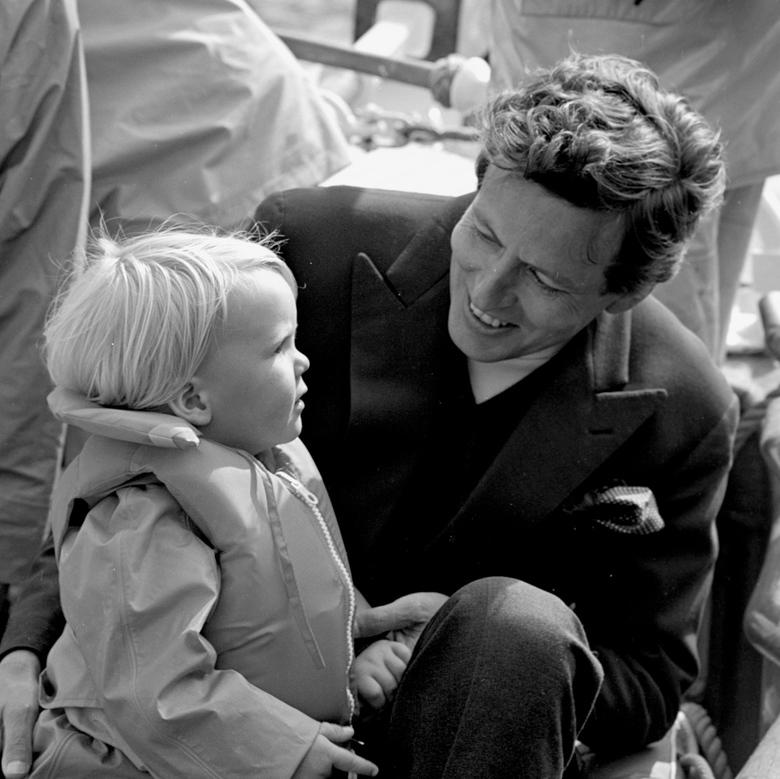 Alexander - 1959; koninklijke familie.<br /> Fotograaf; Harry Bedijs.<br /> Copyright; Stichting Foto Bedijs.<br />