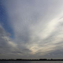 wolkenlucht in de namiddag