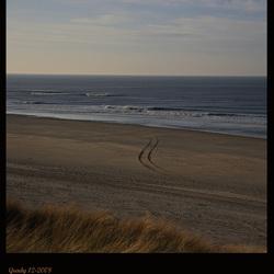 Strand... nog een blik vanaf het duin