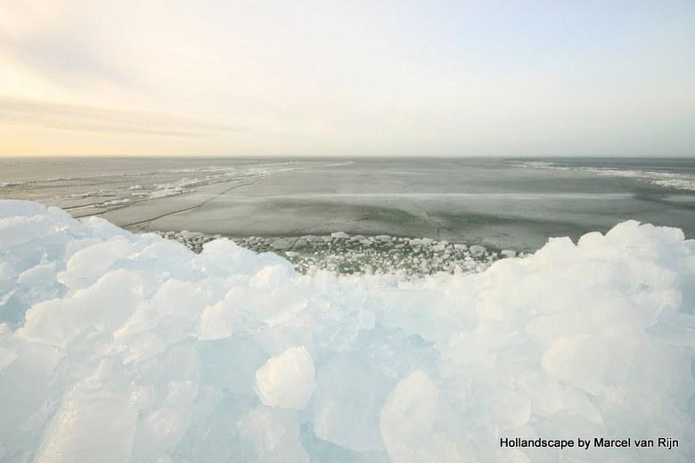 Ice LandScape - Nog een laatste foto van de reeks Kruiend IJs..en dan weer foto&#039;s van het voorjaar...<br /> Bedankt voor de reactie&#039;s