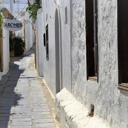 Straatje in Lindos (2)