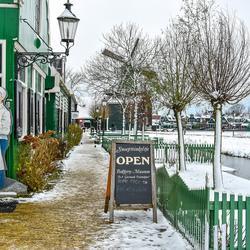 Sneeuw op de Zaanse schans