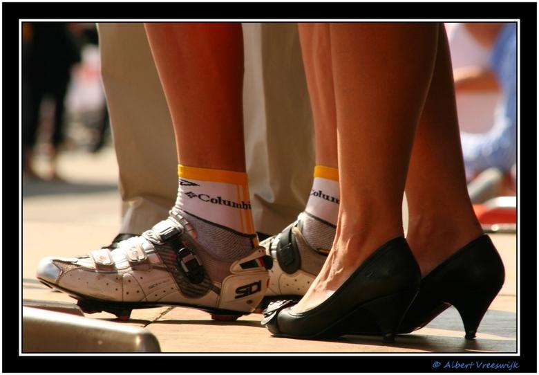 Bikeheels - Gisteren mocht ik een dag als Vip in een volgwagen mee tijdens de Eneco Tour.<br /> In 4 auto&#039;s reden we eerst voor de karavaan uit,