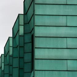 Rijtje nieuwbouwwoningen in Heerhugowaard