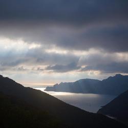Corsica_avondlicht_baai