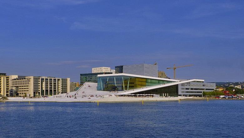 Operahuis Noorwegen. - Dit is de laatste foto die ik laat zien van een mooi stukje architectuur van het Operagebouw in Oslo.<br /> De structuur bevat