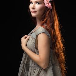 redhead Mia