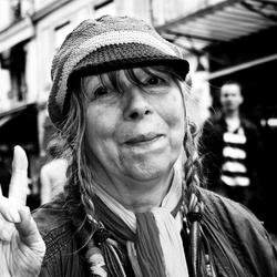 Mooie dame in Parijs