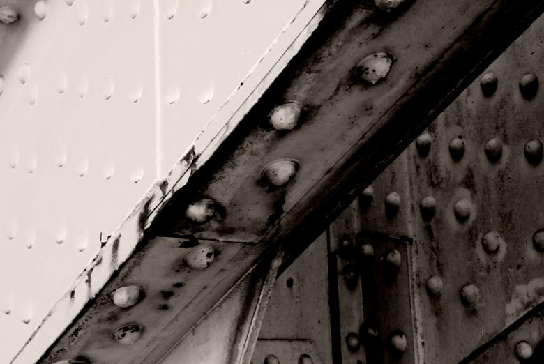 A Bridge Too Far - A Bridge Too Far Nijmegen<br /> <br /> Voor het eerst &quot;ver&quot; van huis met mijn nieuwe Nikon D80. Lekker experimenteren m