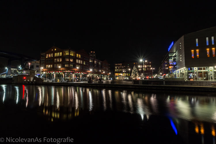 Twinkle twinkle  - Rijnplein in Alphen aan den Rijn, kerstsfeer.<br /> iso 200 - 10mm - f/18 - 13 sec.