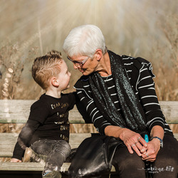 Onderonsje met oma