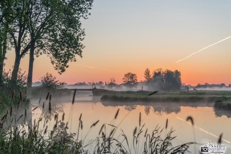 Beautiful Moments in the Morning - Prachtige zonsopkomst vanmorgen, in alle vroegte met een heerlijke opkomende mist!