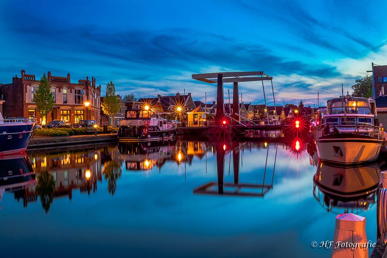 Lemmer(Friesland) Het Dok - Op een rustige avond naar het plaatsje Lemmer gereden om de sluizen te fotograferen.helaas niet het resultaat wat ik voor