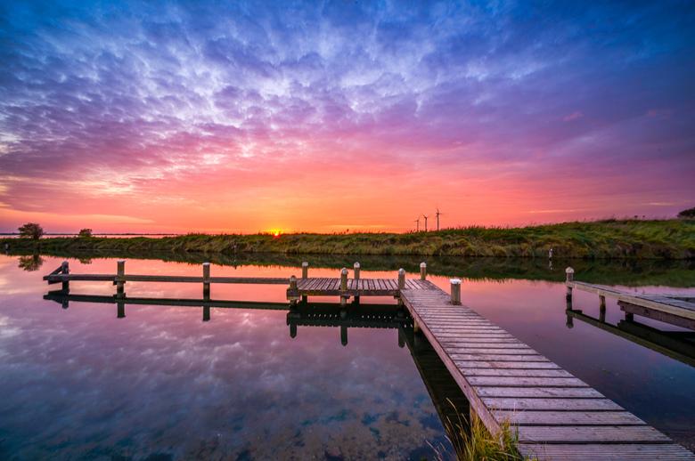 Sit Down  - Een prachtige zonsondergang bij dit rustige steigertje.