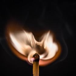 ontbrandende lucifer