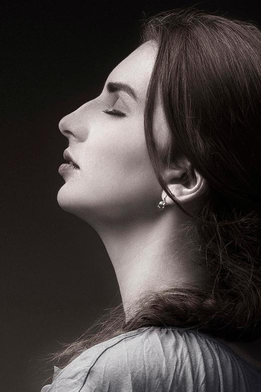 Portait in Profile - Het Canadese model Jules Koun.