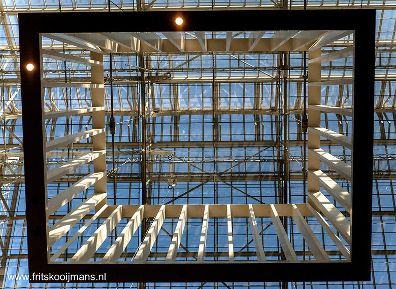 Raamwerk in hal Rijksmuseum Amsterdam - 201503136091 Raamwerk in hal Rijksmuseum Amsterdam