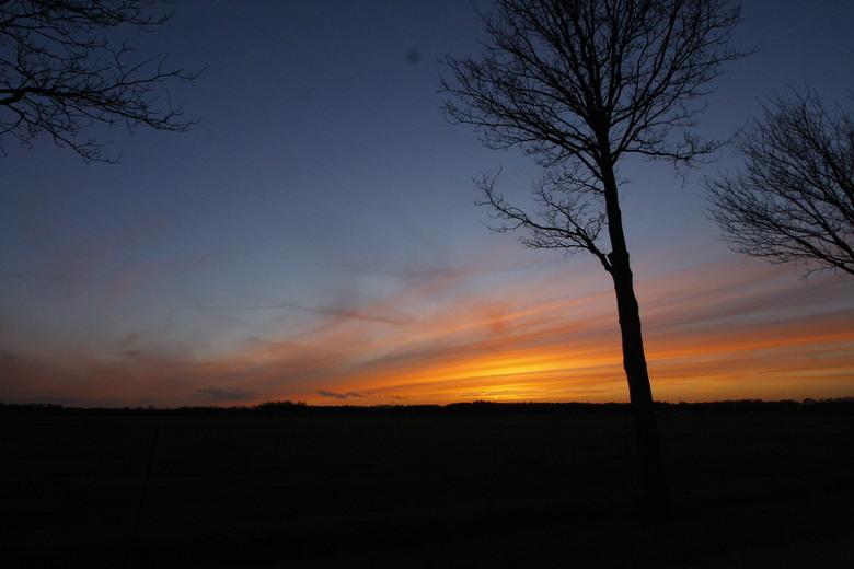 sunset - Een prachtige zonsondergang, tijdens de eerste lente dagen.