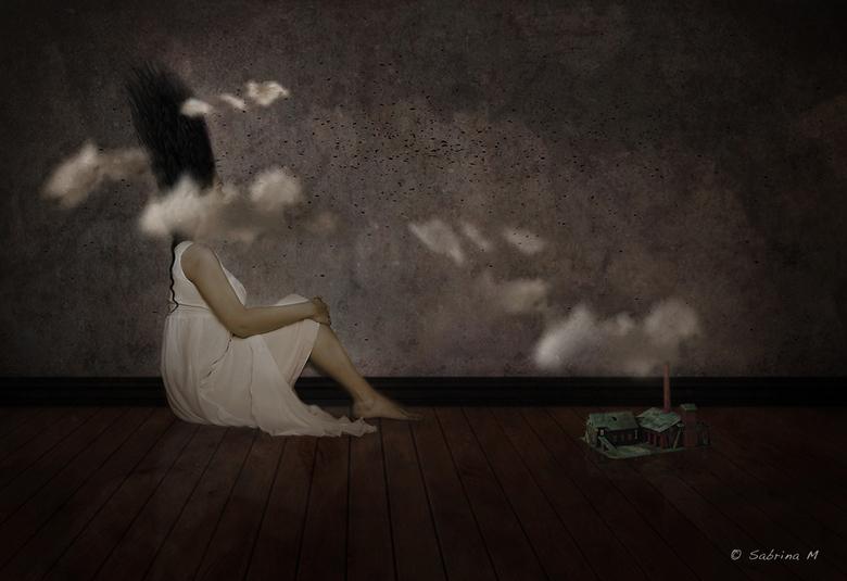 Clouded thoughts - Ik post een reeks van acht gelijkaardige beelden die ik als mijn eindwerk ga inzenden.<br /> De reeks loopt van Escaping sadness t
