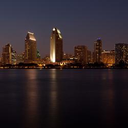 San Diego skyline in de avond