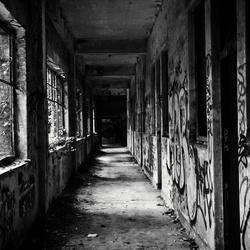 Verlaten gangen van het Fort