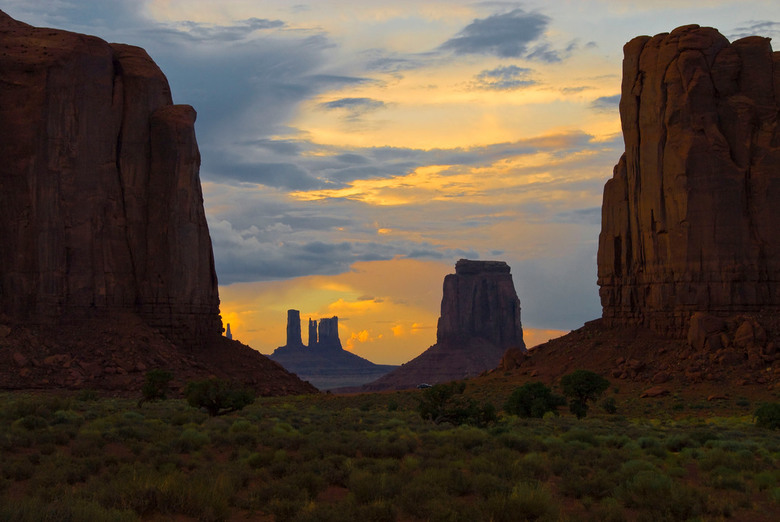 Monument Valley - Monument Valley, VS