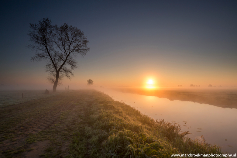 Rouveen  - Rouveen !!! 9-4-2017 genieten bij zonsopgang genomen ...