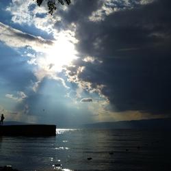 Licht explosie boven Ohrid